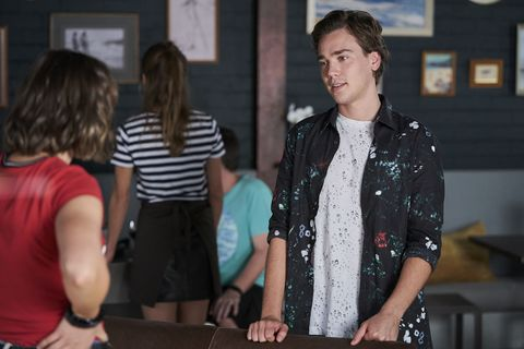 Ryder Jackson invites Bella Nixon to his party in Home and Away
