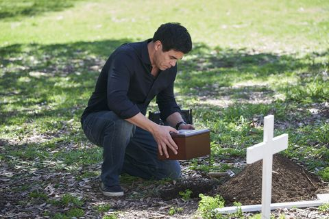 justin morgan buries mason's ashes in home and away