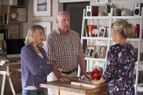 marilyn chambers welcomes alf and martha stewart back home in home and away