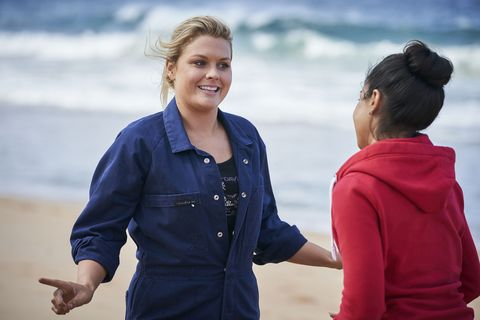 Ziggy Astoni and Willow Harris in Home and Away