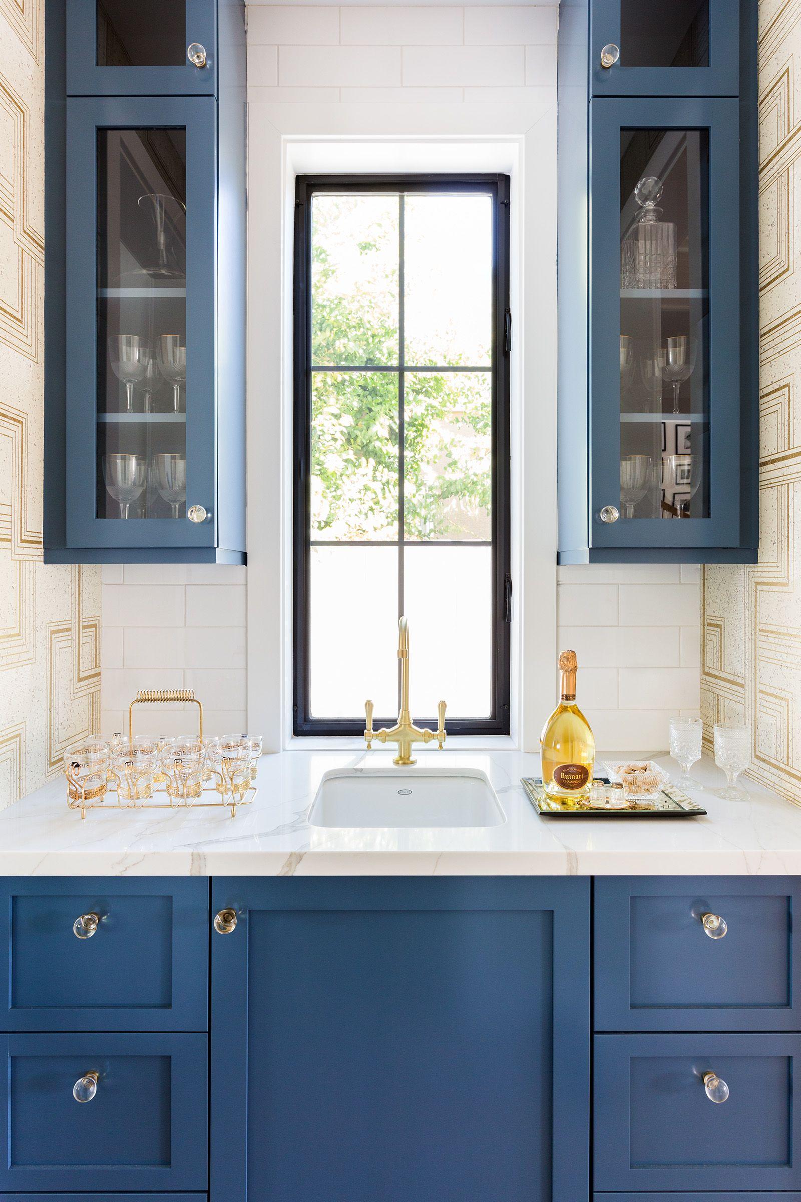 24 Best Home Bar Ideas - Cool Home Bar Designs, Furniture, and Decor