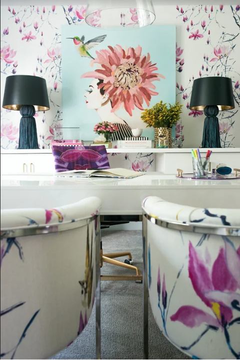 home decor trends 2020 - floral wallpaper