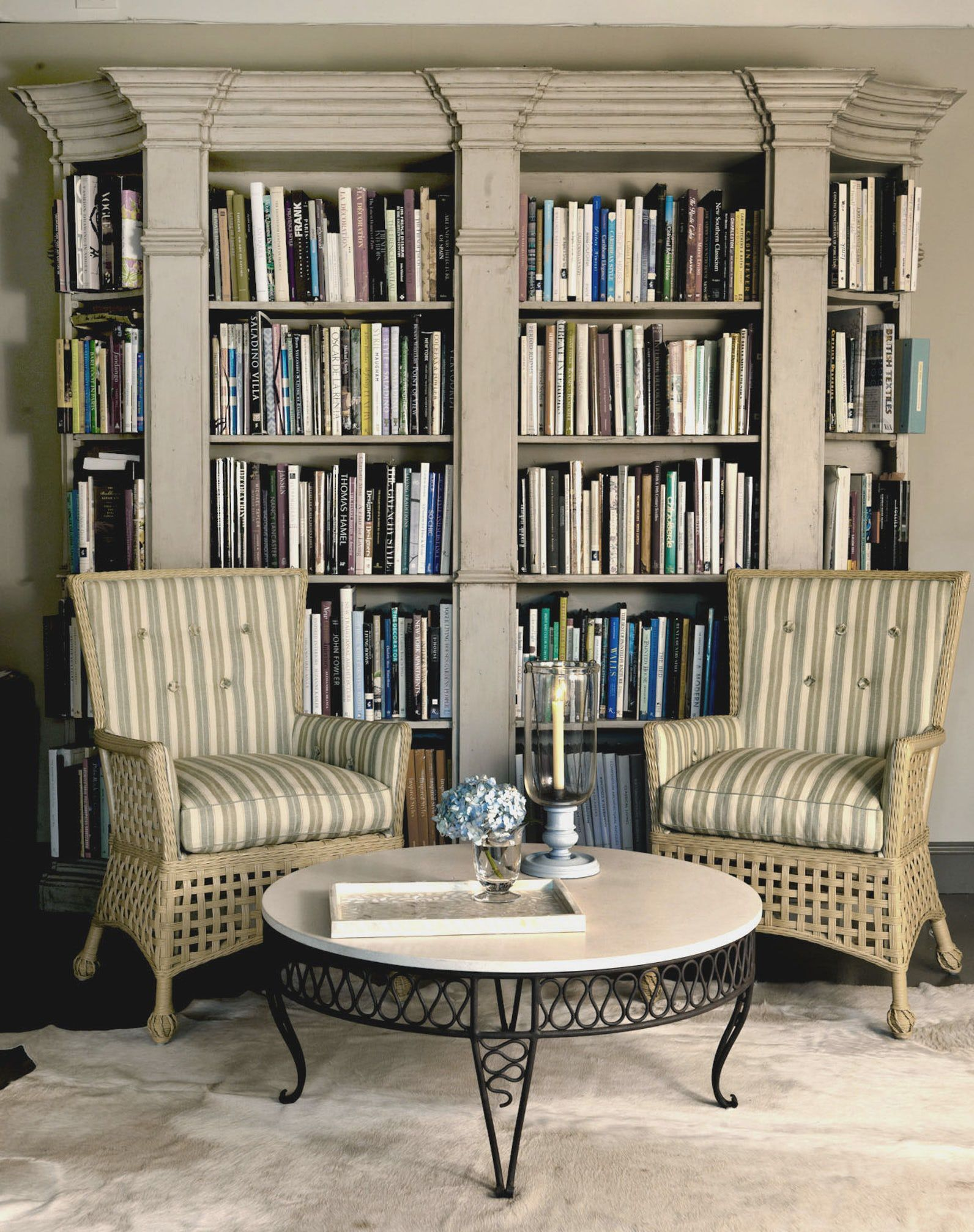 Library home office renovation Farmhouse Home Libraries Elle Decor 45 Best Home Library Ideas Reading Nooks At Home