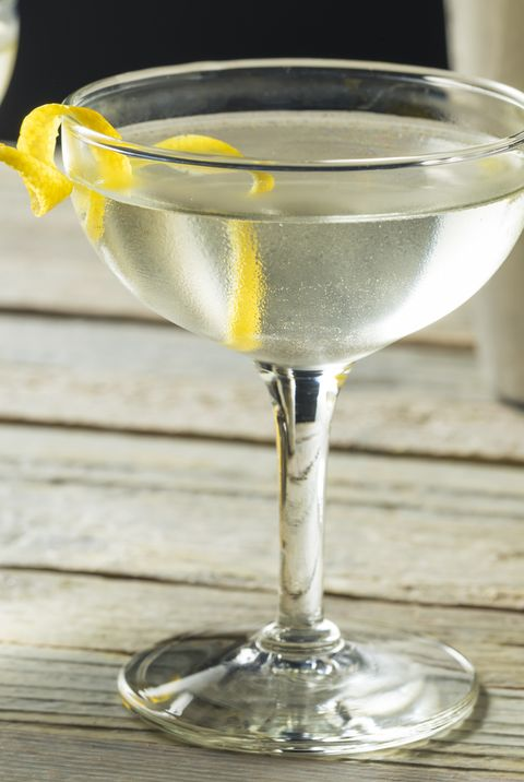 vesper martini   best gin cocktails