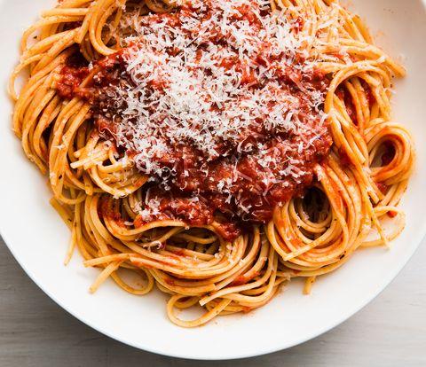 homemade spaghetti sauce horizontal