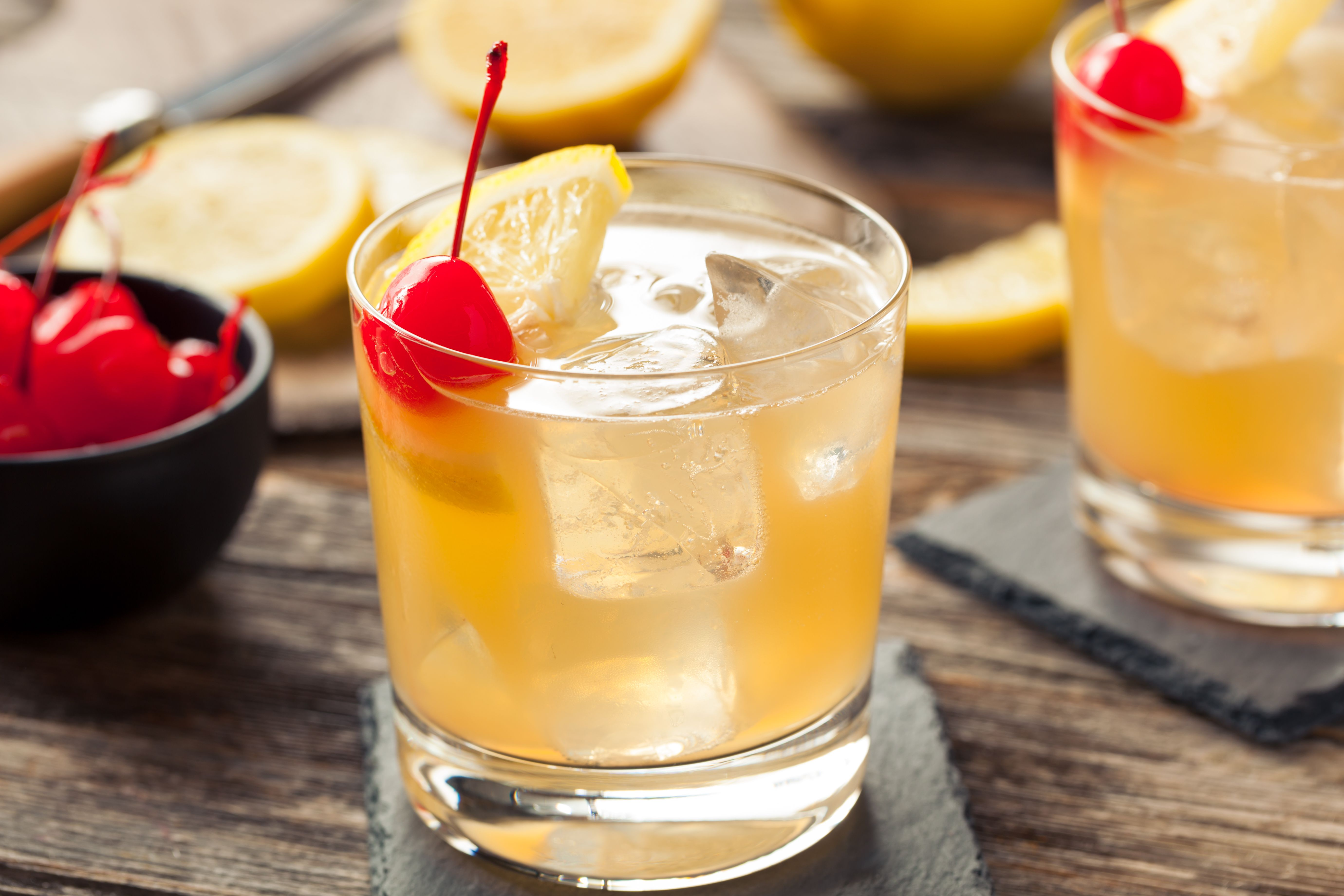 How To Make A Whiskey Sour Cocktail
