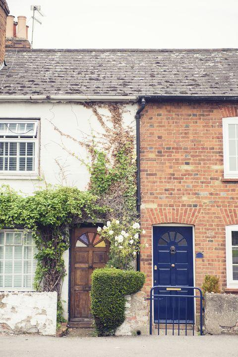 Homes in Surrey, England