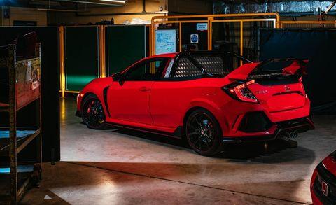 Land vehicle, Vehicle, Car, Automotive design, Hatchback, Automotive exterior, Hot hatch, Bumper, Mid-size car, City car,