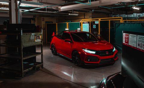Land vehicle, Vehicle, Car, Automotive design, Car dealership, Auto show, Sport utility vehicle, Mid-size car, Hot hatch, Kia sportage,