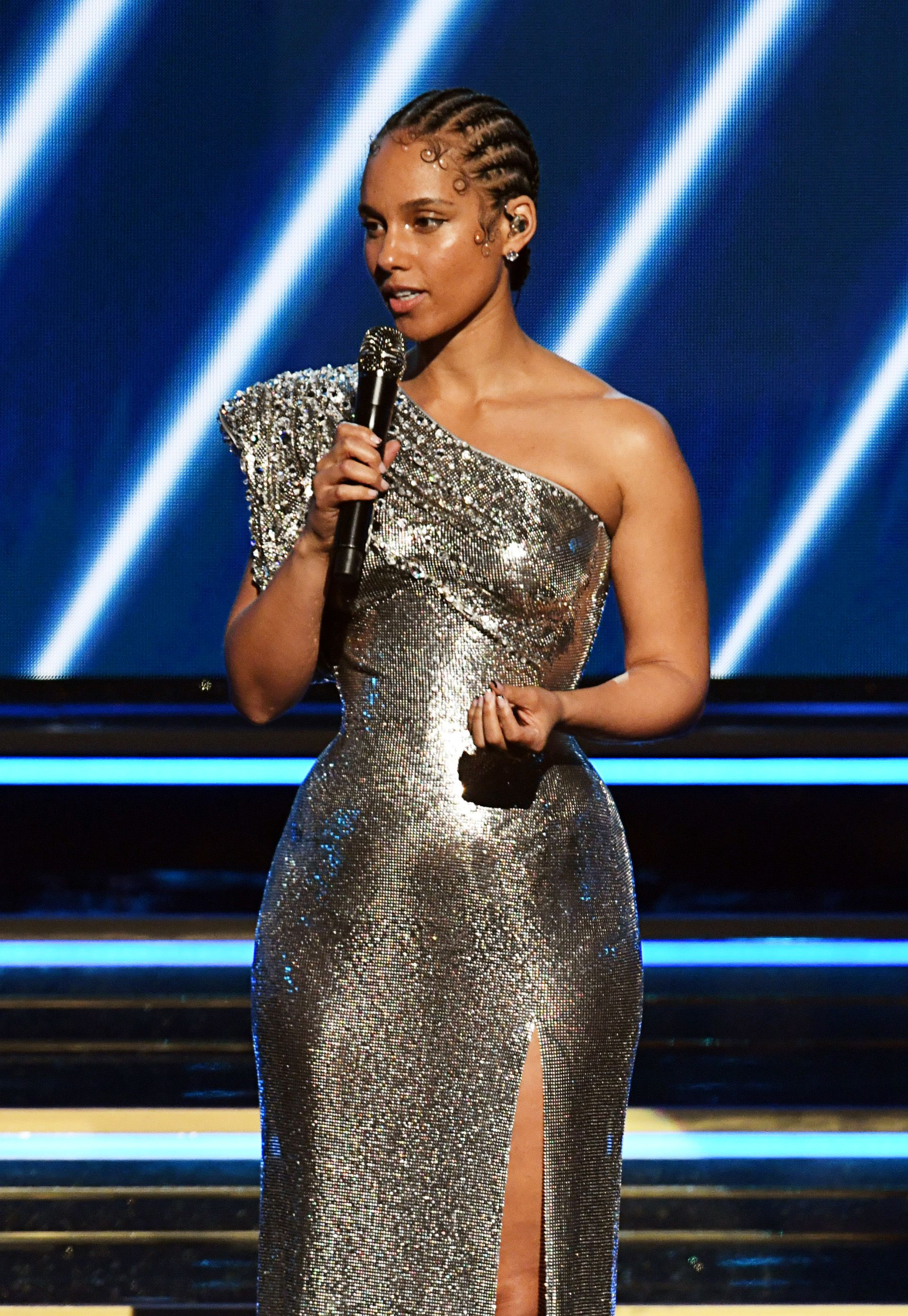 Alicia Keys Opened the Grammys With a Touching Tribute to Kobe Bryant and His Daughter Gianna