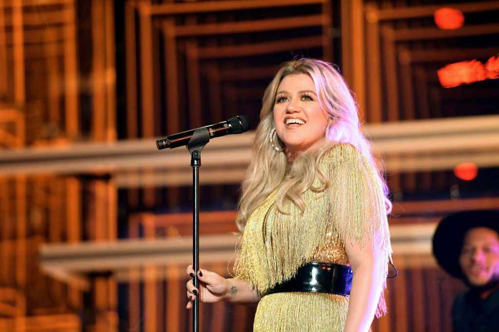 Kelly Clarkson's Advice to Her Younger Self Is Quite Relatable
