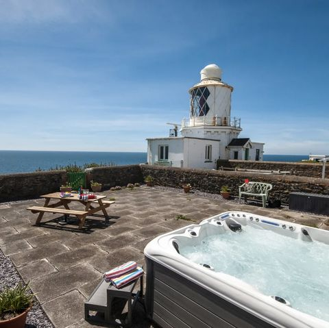 Romantic hot tub breaks - Pembrokeshire