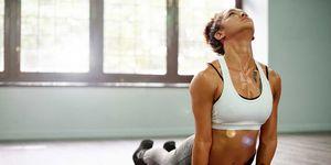 Alles over hot yoga, van poses en oefeningen tot waarom het zo goed voor je lichaam en geest is