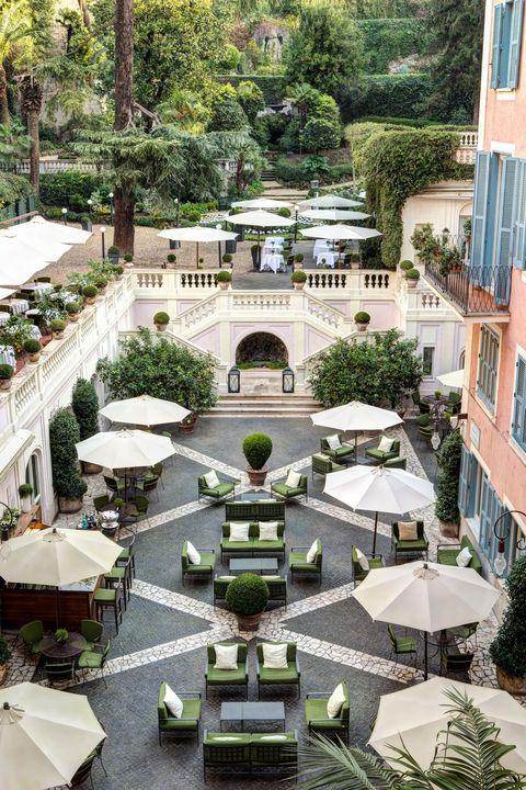 Building, Architecture, Botany, Courtyard, Urban design, Garden, Tree, Botanical garden, House, Residential area,