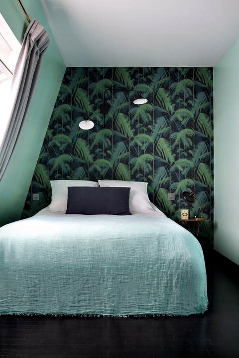 27 Bold Bedroom Wallpaper Ideas We Love Timeless Bedroom Decorating Ideas