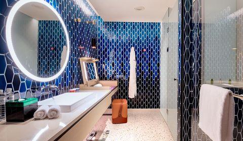 高雄中央公園英迪格酒店豪華客房浴室