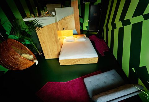 Hotel particolari Amsterdam: una notte al Volkshotel