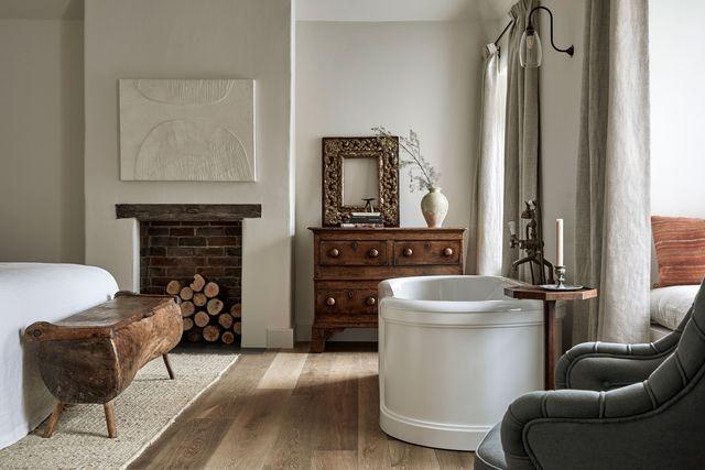 interior hotel boutique the bradley hare diseñado por james thurstan waterworth con antigüedades y arte contemporáneo