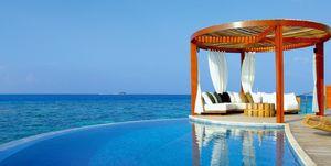Piscina del hotel W Maldivas