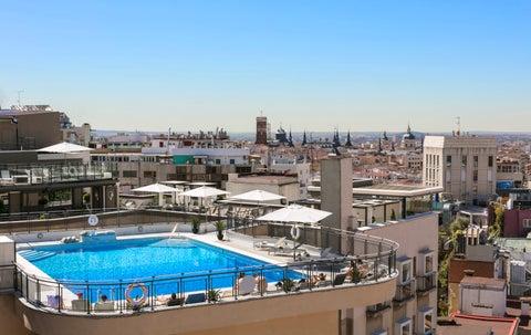 hotel emperador piscina