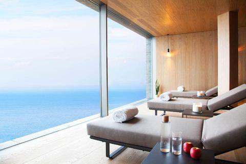 imagen de uno de los mejores hoteles de lujo de españa, que reabre por vacaciones