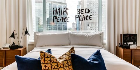Stay In The Suite Where John Lennon And Yoko Ono S Bed In For Peace Protest Happened