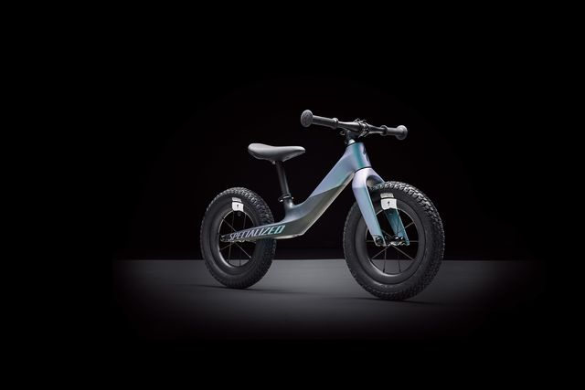 specialized komt met full carbon hotwalk   bicycling