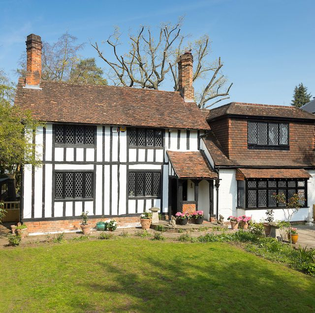 house owned by princess diana's family is for sale