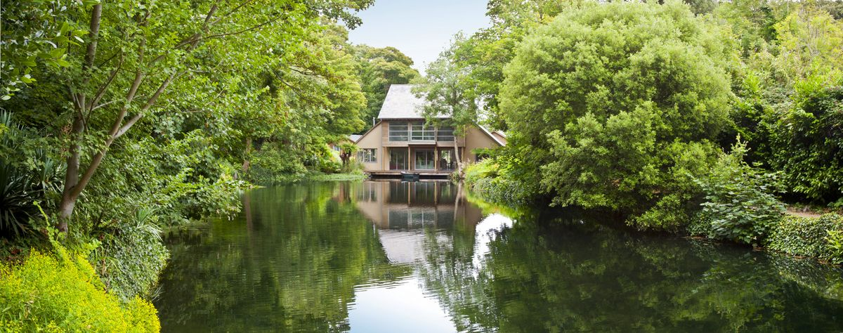 An architect-designed lake house on the Isle of Wight