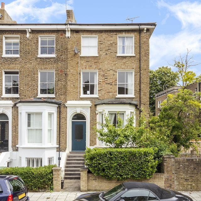 lucy mieville raffles her family home for £2 in londo