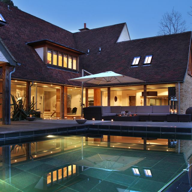 tour this luxurious eight bedroom house with its very own infinity pool in berkshire