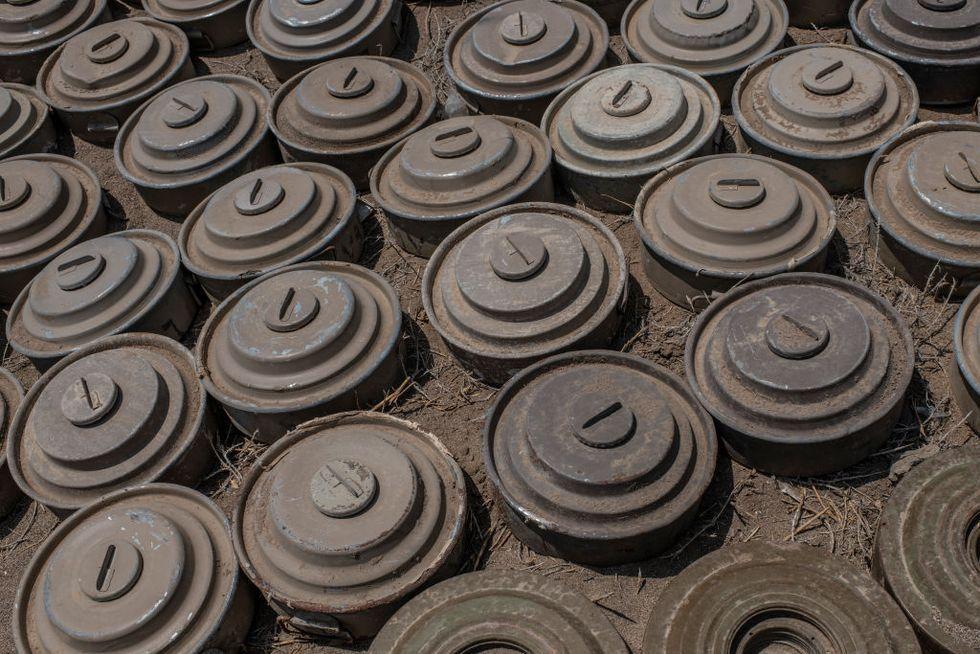 Biden Will Keep Loosened Rules on Land Mines