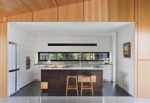 Wood, Floor, Interior design, Room, Flooring, Property, Wall, Glass, Ceiling, Table,