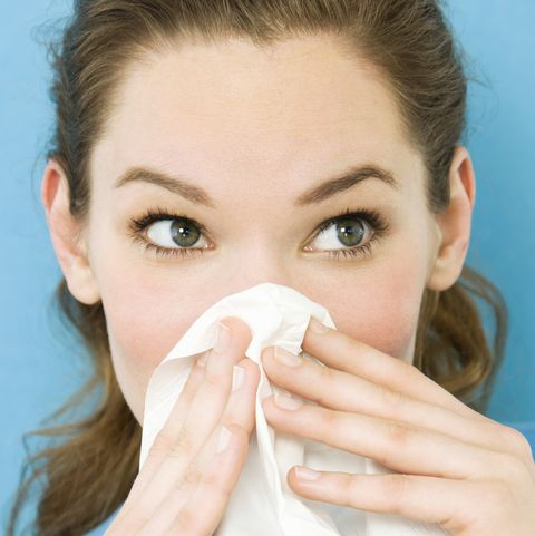 can't shake that nasty cold here's how long a cold typically lasts and when you should see your doctor
