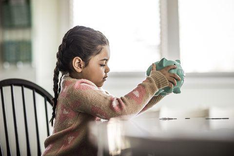 05d5f7db10ba How to Save Money For a Child - How To Build Savings For Children