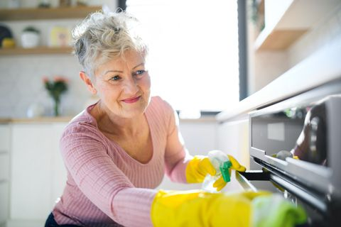 OVEN CLEANERS LEEDS - HOW TO CLEAN YOUR OVEN EASILY