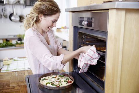 OVEN CLEANERS LEEDS - HOW TO CLEAN AN OVEN QUICKLY