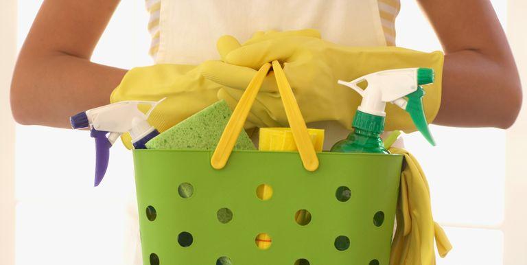 Voici comment nettoyer votre maison plus efficacement astuce o naturelle - Comment nettoyer une piece ...