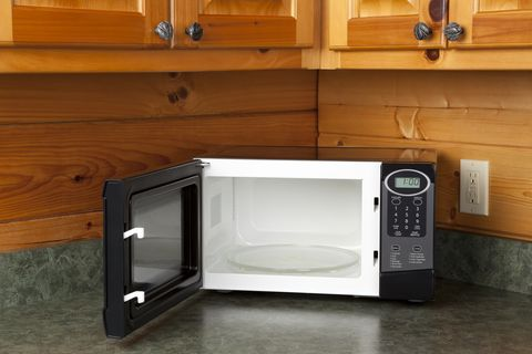 how to clean microwave countertop