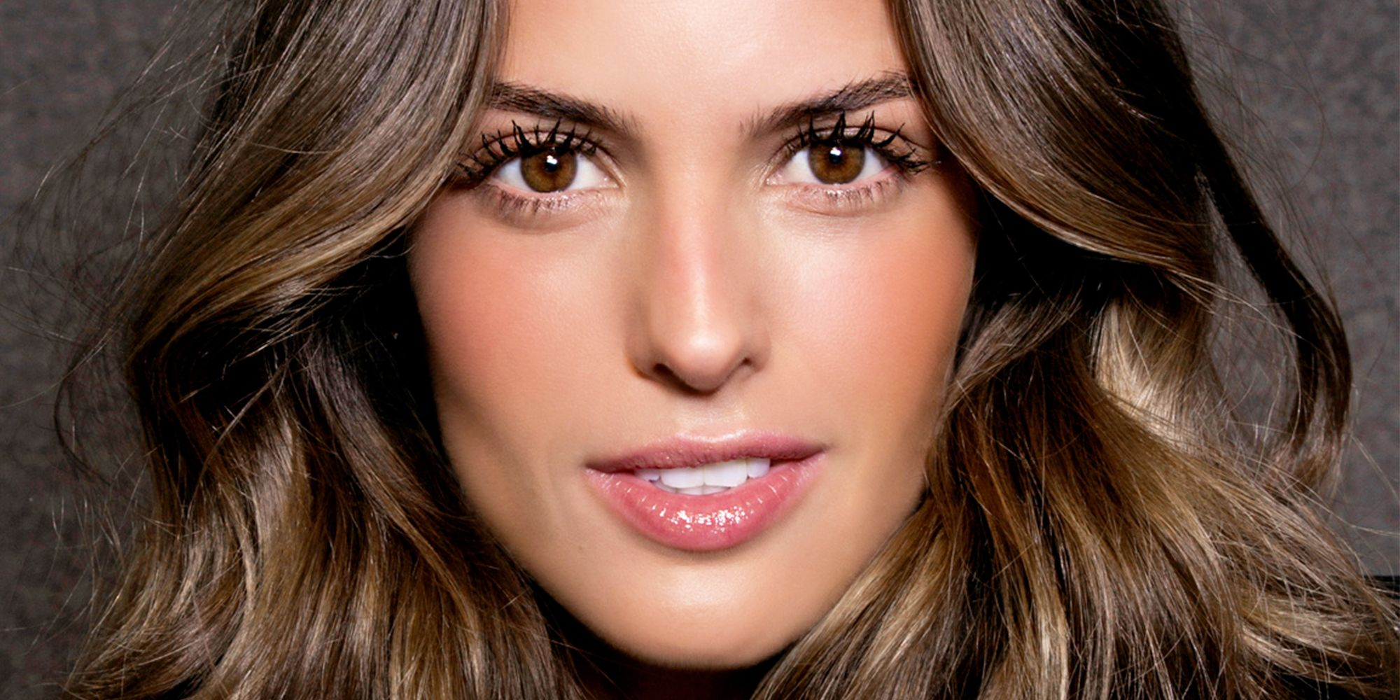 The Easiest Way to Bronze Your Face in 60 Seconds Flat