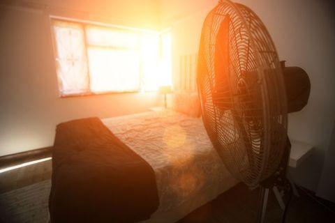 エアコン, ac, 涼しくする方法, 断熱材, 扇風機, シーリングファン, 夏を乗り切る, テクニック, エアコン代わり, 涼しい, 以外, 冷房器具, 地球温暖化, 空冷器,