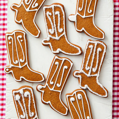 gingerbread cowboy boot cookies