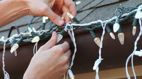 How To Hang Christmas Lights The Right Way To Hang