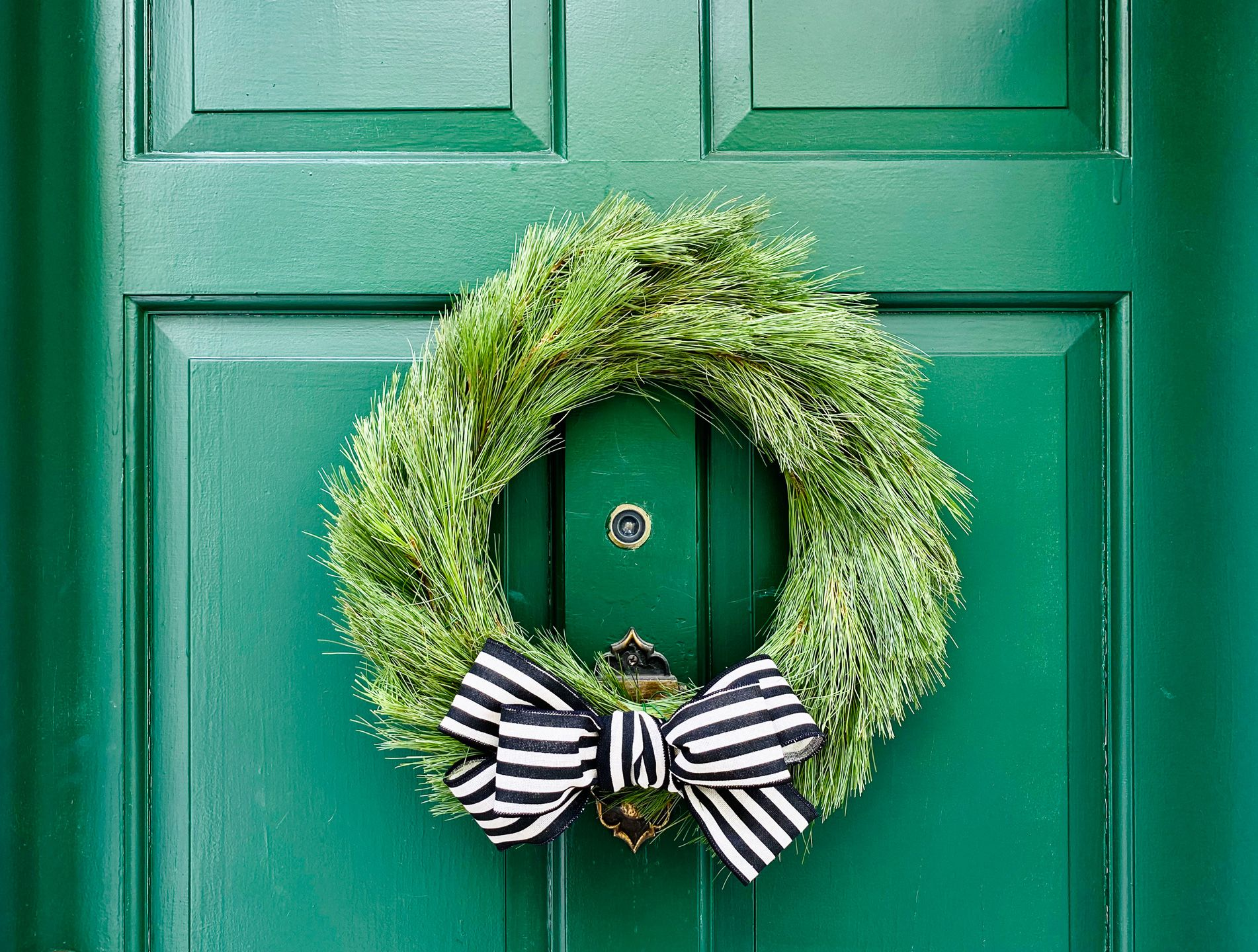 How To Make A Christmas Bow For Wreaths Garlands And Gifts