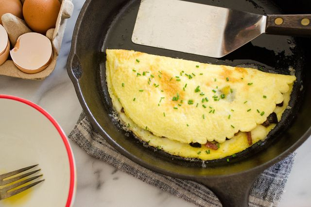 how to make an omelette in a cast iron skillet