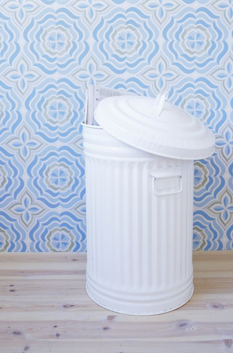 how to organize a closet trash can