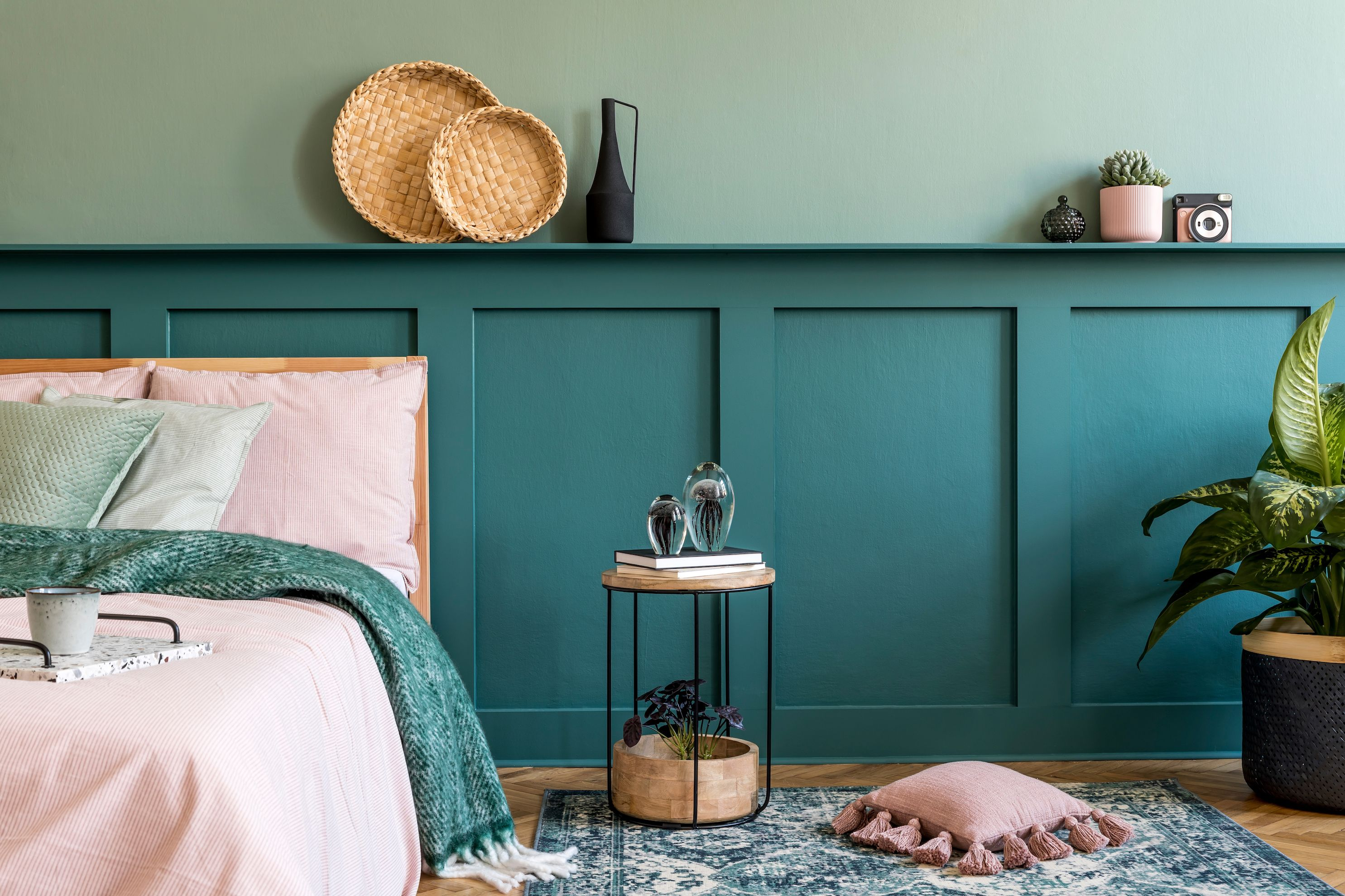 How to panel a wall: DIY wall panelling in 7 simple steps