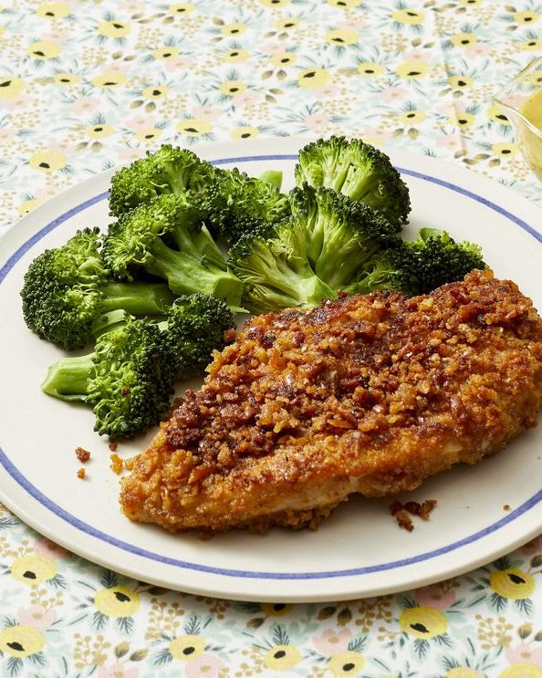 breaded chicken and steamed broccoli