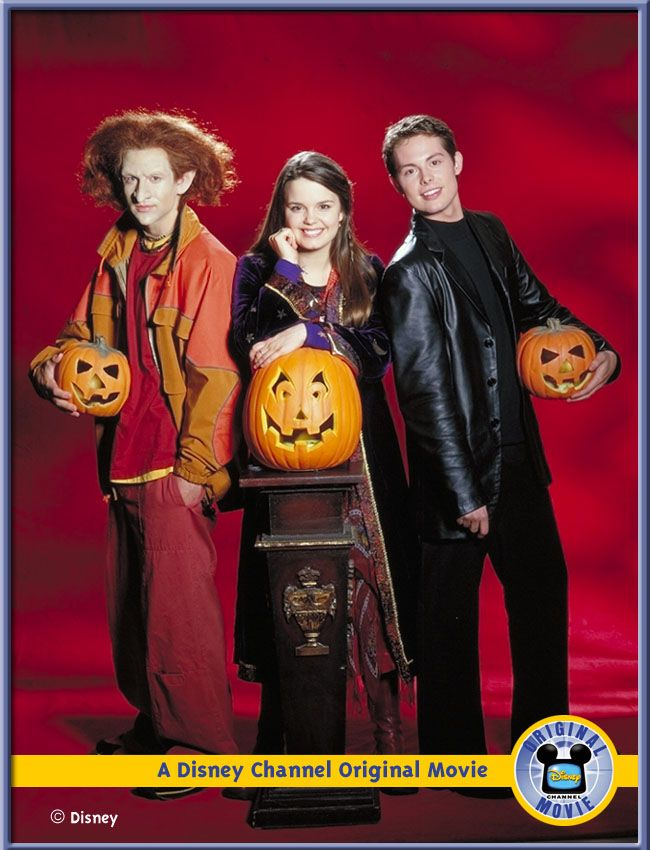 Halloweentown\u0027s Marnie and Kal Hung Out on Christmas Eve