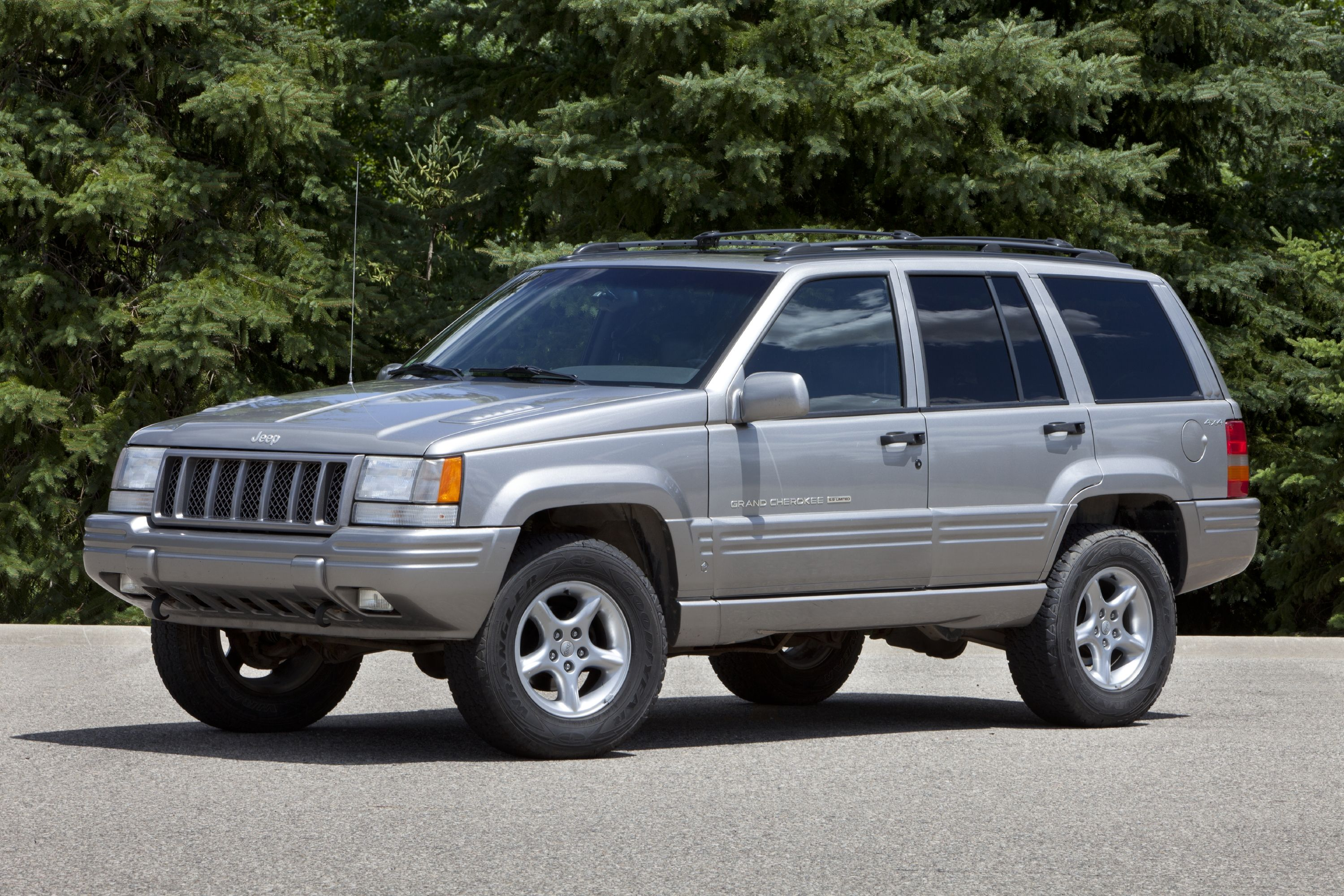 jeep invented the high-performance suv, too